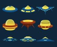 Διανυσματικά επίπεδα εικονίδια διαστημοπλοίων UFO καθορισμένα Στοκ Φωτογραφίες
