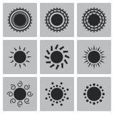 Διανυσματικά μαύρα εικονίδια ήλιων καθορισμένα Στοκ Εικόνες