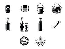 Διανυσματικά μαύρα εικονίδια μπύρας καθορισμένα Στοκ εικόνες με δικαίωμα ελεύθερης χρήσης