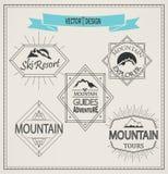 Διανυσματικά λογότυπα και εμβλήματα βουνών Στοκ Φωτογραφία