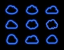 Διανυσματικά σύννεφα νέου καθορισμένα, φωτεινό μπλε φως, εικονίδια Colelction που λάμπει στο σκοτεινό υπόβαθρο Στοκ Εικόνες