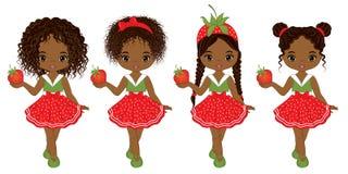 Διανυσματικά χαριτωμένα κορίτσια λίγων αφροαμερικάνων με τις φράουλες Στοκ Εικόνες