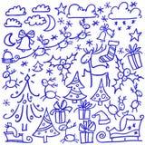 Διανυσματικά doodle εύθυμα cheristmas και σύνολο καλής χρονιάς Απομονωμένα στοιχεία σχεδίου: ελάφια, fir-trees, σύννεφα, αστέρια, ελεύθερη απεικόνιση δικαιώματος