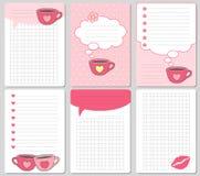 Διανυσματικές χαριτωμένες κάρτες Σημειώσεις, αυτοκόλλητες ετικέττες, ετικέτες, ετικέττες με τα αστεία φλυτζάνια και καρδιές Το σχ Στοκ εικόνες με δικαίωμα ελεύθερης χρήσης