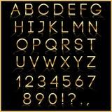 Διανυσματικές χρυσές επιστολές αλφάβητου με την αντανάκλαση επάνω Στοκ εικόνα με δικαίωμα ελεύθερης χρήσης