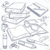 Διανυσματική απεικόνιση, ένας σωρός των βιβλίων, ένα ανοικτό βιβλίο με τα γυαλιά, ένα σημειωματάριο σε ένα ελατήριο, ένας δείκτης Στοκ Φωτογραφία