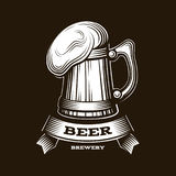 Διανυσματική απεικόνιση λογότυπων μπύρας τεχνών, σχέδιο ζυθοποιείων εμβλημάτων στο κόκκινο υπόβαθρο Στοκ φωτογραφία με δικαίωμα ελεύθερης χρήσης