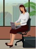 Διανυσματική απεικόνιση μιας γυναίκας γραφείων με ένα lap-top Στοκ Εικόνα