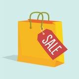 Διανυσματική απεικόνιση της τσάντας αγορών εγγράφου με την ετικέττα πώλησης Στοκ εικόνα με δικαίωμα ελεύθερης χρήσης