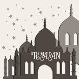 Διανυσματική ευχετήρια κάρτα Ramadan με τη σκιαγραφία του μουσουλμανικού τεμένους Στοκ εικόνες με δικαίωμα ελεύθερης χρήσης