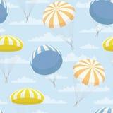 Διανυσματική σύσταση με τα κίτρινα, μπλε, πορτοκαλιά αλεξίπτωτα και τα σύννεφα Στοκ Εικόνες