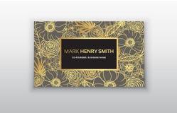 Διανυσματική χρυσή επαγγελματική κάρτα με τα λουλούδια Στοκ εικόνα με δικαίωμα ελεύθερης χρήσης