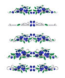 Διανυσματικοί διαιρέτες κειμένων με τα βακκίνια και τα φύλλα Στοκ Φωτογραφία