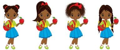 Διανυσματικός χαριτωμένος λίγο κορίτσι αφροαμερικάνων με τις σχολικές τσάντες και τα κόκκινα μήλα Στοκ φωτογραφίες με δικαίωμα ελεύθερης χρήσης