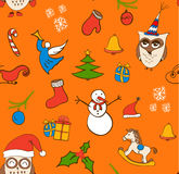 Διανυσματικό άνευ ραφής σχέδιο Χριστουγέννων κινούμενων σχεδίων με το χιονάνθρωπο, τις κουκουβάγιες, τα κιβώτια δώρων και άλλα στ απεικόνιση αποθεμάτων