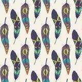 Διανυσματικό ζωηρόχρωμο άνευ ραφής εθνικό σχέδιο με τα διακοσμητικά φτερά Στοκ Εικόνες