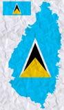Διανυσματικό παλαιό τσαλακωμένο έγγραφο με τη ζωγραφική watercolor της σημαίας και του χάρτη Αγιών Λουκία απεικόνιση αποθεμάτων