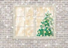 Διανυσματικό παράθυρο σπιτιών με το χριστουγεννιάτικο δέντρο Στοκ Εικόνα