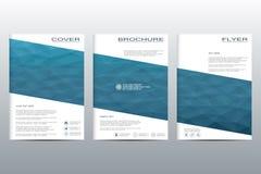 Διανυσματικό πρότυπο φυλλάδιων, ιπτάμενο, περιοδικό κάλυψης A4 στο μέγεθος Επιχειρησιακό αφηρημένο υπόβαθρο με τα τρίγωνα Στοκ Εικόνες