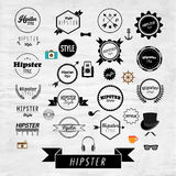 Διανυσματικό σχέδιο εικονιδίων ετικετών και διακριτικών Hipster Στοκ εικόνα με δικαίωμα ελεύθερης χρήσης