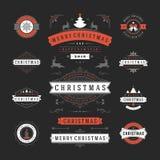 Διανυσματικό σχέδιο ετικετών και διακριτικών Χριστουγέννων διανυσματική απεικόνιση