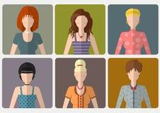 Διανυσματικό σύνολο γυναικών με τα διαφορετικά hairstyles στο επίπεδο ύφος Στοκ Εικόνα