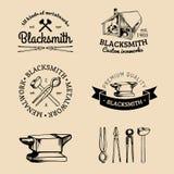 Διανυσματικό σύνολο σκιαγραφημένων χέρι λογότυπων σιδηρουργών Διανυσματική farrier συλλογή εικονιδίων απεικόνιση αποθεμάτων