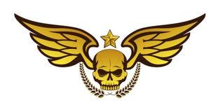 Διανυσματικό χρυσό δερματοστιξία ή λογότυπο με το κρανίο, τα φτερά, το στεφάνι δαφνών και το αστέρι Στοκ φωτογραφία με δικαίωμα ελεύθερης χρήσης