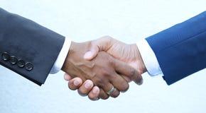 Διαπραγμάτευση κλεισίματος - χέρια τινάγματος Στοκ φωτογραφίες με δικαίωμα ελεύθερης χρήσης