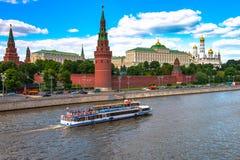Διασημότερο ρωσικό ιστορικό φρούριο Κρεμλίνο ορόσημων Αυτό είναι το σύμβολο της ρωσικής κεφαλής Στοκ Εικόνα