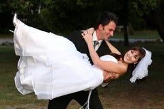 Διασκέδαση γαμήλιου ζεύγους στοκ εικόνες