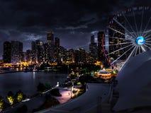 Διασκέδαση νύχτας στην αποβάθρα ναυτικού στοκ φωτογραφία