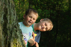 διασκέδαση παιδιών που έχει στοκ εικόνα με δικαίωμα ελεύθερης χρήσης