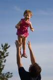 διασκέδαση πατέρων κορών στοκ φωτογραφία με δικαίωμα ελεύθερης χρήσης