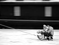 διασκέδαση που έχει τα κατσίκια πάγου Στοκ Εικόνες
