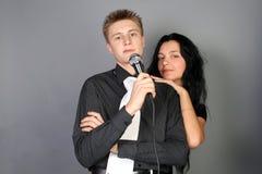 διασκέδαση φίλων που έχε&iot Στοκ εικόνες με δικαίωμα ελεύθερης χρήσης