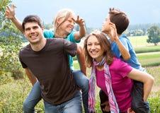 διασκέδαση 12 οικογενε&iota Στοκ εικόνα με δικαίωμα ελεύθερης χρήσης