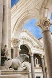 Διασπασμένος καθεδρικός ναός, Κροατία Μέσα αρχαίου Diocletian& x27 παλάτι του s Στοκ Εικόνες