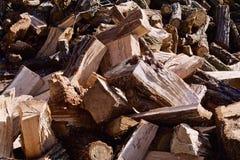 Διασπασμένος δρύινος σωρός ξυλείας Στοκ φωτογραφία με δικαίωμα ελεύθερης χρήσης