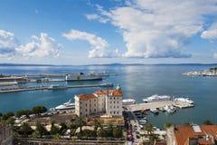 Διασπασμένο λιμάνι στοκ φωτογραφία με δικαίωμα ελεύθερης χρήσης