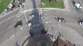 Διασταύρωση κυκλικής κυκλοφορίας στο μέρος στηλών στη Βαρκελώνη - εναέρια άποψη απόθεμα βίντεο