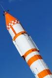 Διαστημικός πύραυλος πέρα από το μπλε Στοκ εικόνα με δικαίωμα ελεύθερης χρήσης