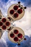 Διαστημικός πύραυλος στη εξέδρα εκτόξευσης πυραύλων Στοκ Φωτογραφία