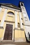Διαστρεβλώστε το arno Ιταλία εκκλησιών solbiate η παλαιά εκκλησία πεζουλιών τοίχων Στοκ φωτογραφίες με δικαίωμα ελεύθερης χρήσης