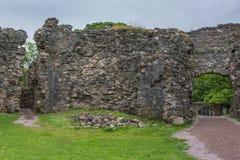 Διασχίστε τις ενάρξεις στον τοίχο Inverlochy Castle, Σκωτία Στοκ Φωτογραφία