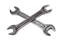 Διασχισμένα shabby γαλλικά κλειδιά στο άσπρο υπόβαθρο Στοκ φωτογραφία με δικαίωμα ελεύθερης χρήσης