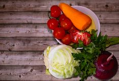 Διατροφή και υγιεινή έννοια τρόπου ζωής Κινηματογράφηση σε πρώτο πλάνο λαχανικών στοκ εικόνα με δικαίωμα ελεύθερης χρήσης