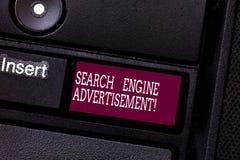 Διαφήμιση μηχανών αναζήτησης κειμένων γραψίματος λέξης Επιχειρησιακή έννοια για την τοποθέτηση των σε απευθείας σύνδεση διαφημίσε στοκ φωτογραφία