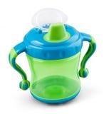 Διαφανές φλυτζάνι γουλιών - θηλή - ειρηνιστής botle για το νερό ή το γάλα στοκ εικόνες