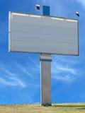 Διαφημιστική επιτροπή πινάκων διαφημίσεων με τον κενό διαστημικό και ελαφρύ προβολέα Στοκ Εικόνες